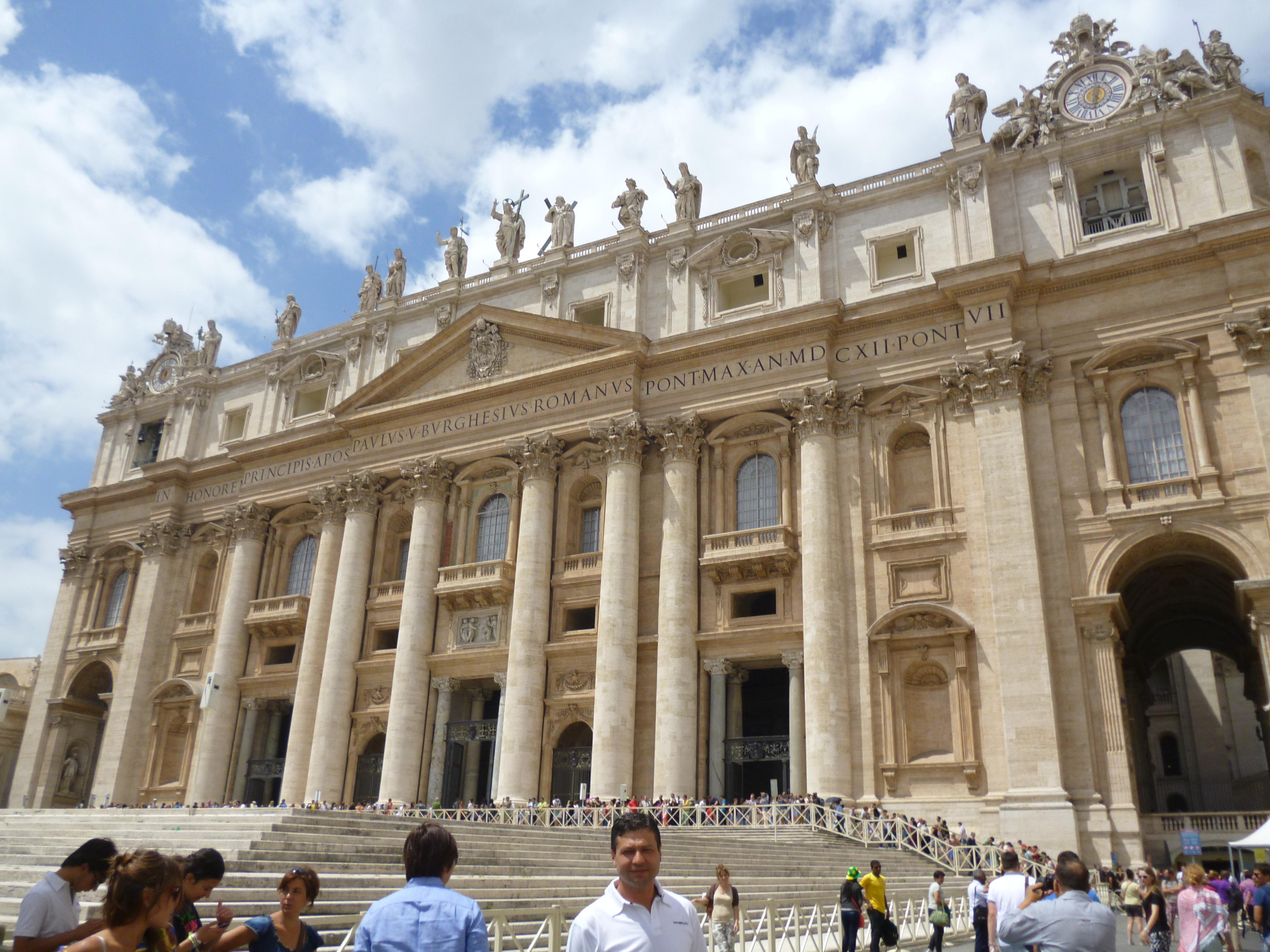 Basílica San Pietro.JPG