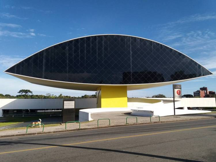 Museu Oscar Niemeyer.jpg